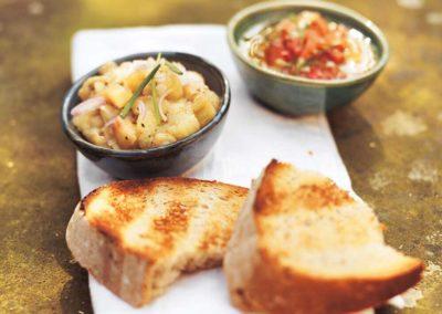 Dhal mit Birnen-Pickles und Pappadums